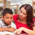 Les enfants hispanophones apprennent l'anglais plus rapidement lorsque leurs parents leur lisent dans leur langue maternelle  - Parler espagnol